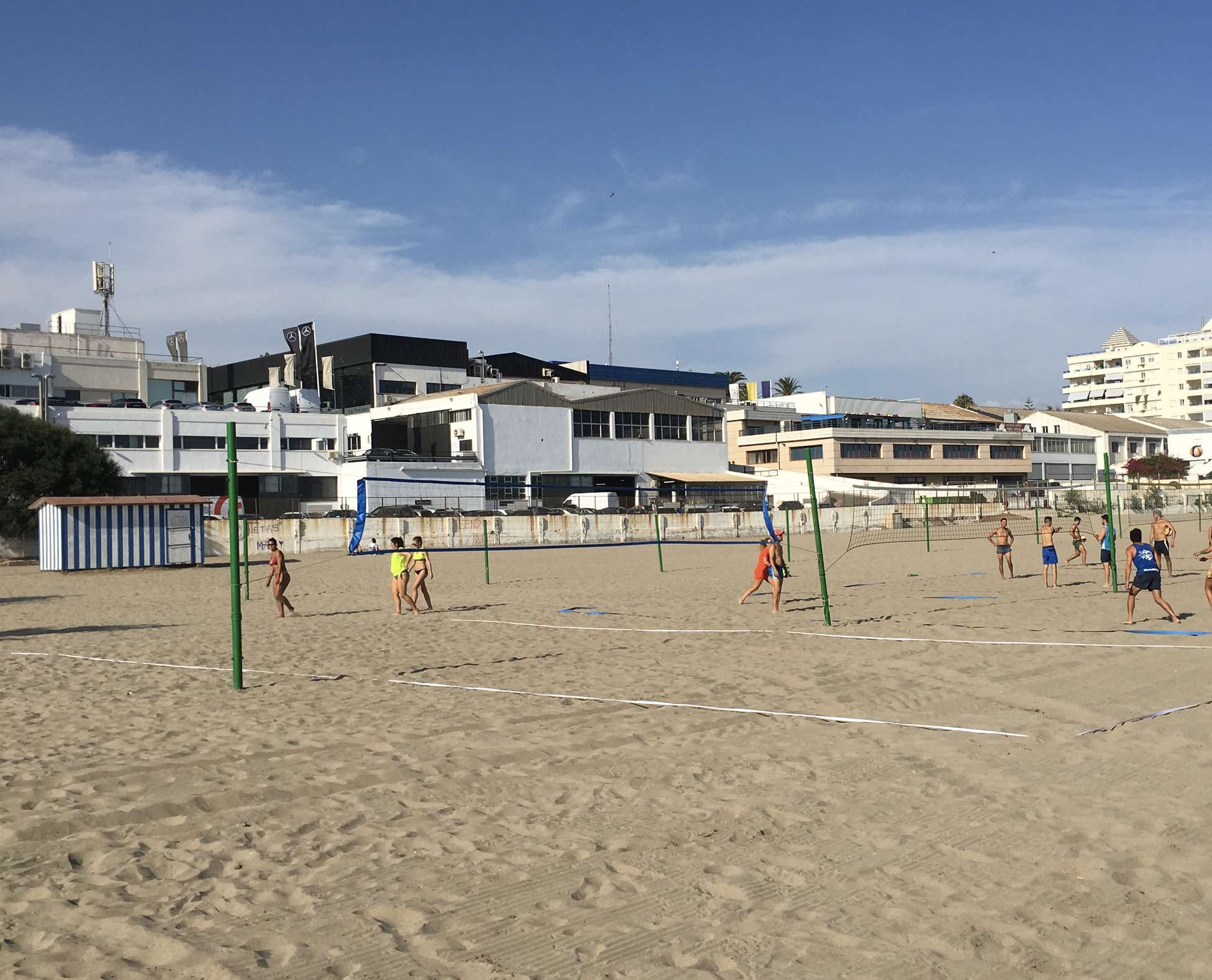 Volleybalveld bij El Cable strand